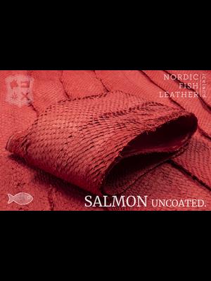 Nordic Fish Leather Visleer Zalm in de kleur Eldur 137s (rood), niet gefinisht