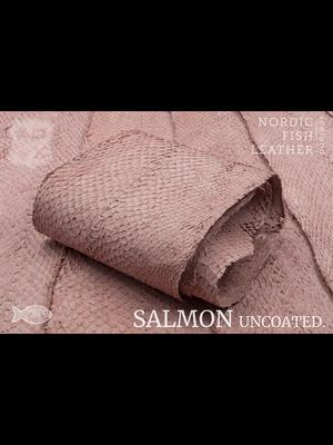 Nordic Fish Leather Visleer Zalm in de kleur Bliða 952 (roze), niet gefinisht