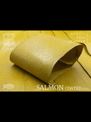 Nordic Fish Leather Zalm in de kleur Gull 138s (geel), gefinisht met zijdeglans, gesloten schubben