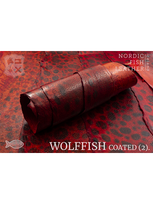 Nordic Fish Leather Gevlekte Zeewolf in de kleur Freyja 808s (rood), gefinisht met medium gloss