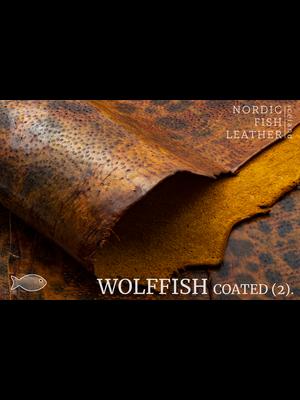 Nordic Fish Leather Gevlekte Zeewolf in de kleur Askur 848s (Bruin), gefinisht met medium gloss