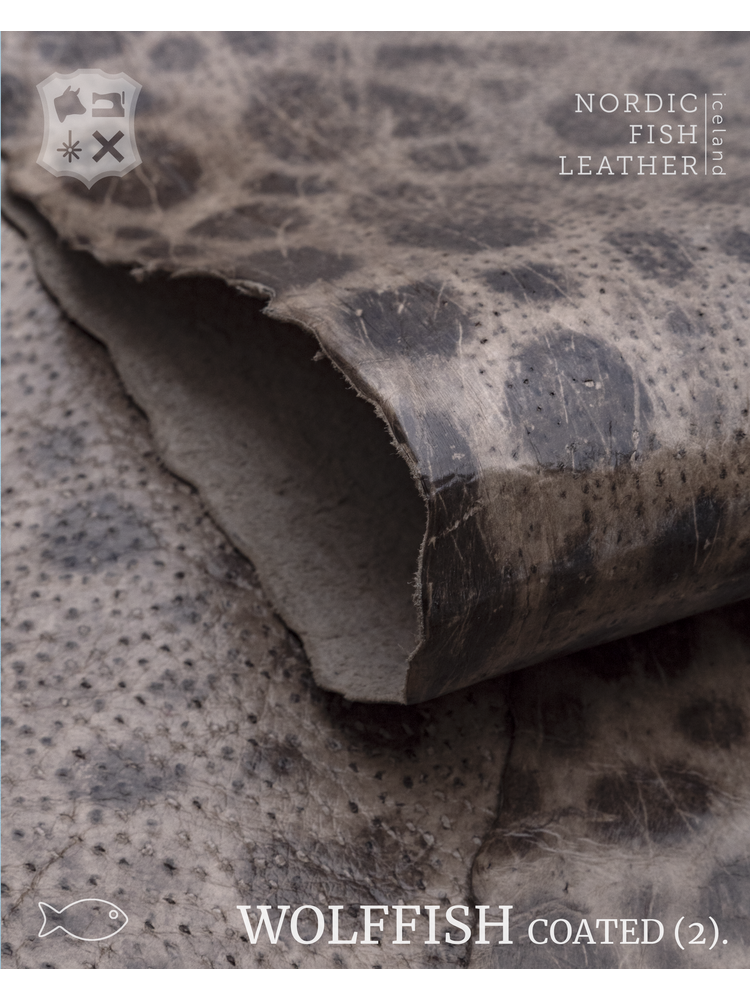 Nordic Fish Leather Gevlekte Zeewolf in de kleur Magni 865s (Taupe), gefinisht met medium gloss