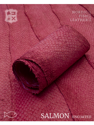 Nordic Fish Leather Visleer Zalm in de kleur Blika 911s (Fuchsia), niet gefinisht