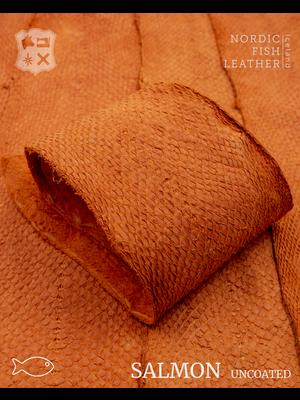 Nordic Fish Leather Visleer Zalm in de kleur Gos 945s (Oranje), niet gefinisht