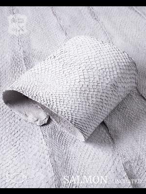 Nordic Fish Leather Visleer Zalm in de kleur Krapi 118s (wit), niet gefinisht