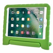 iPad 9.7 (2017/2018) hoes - Schokbestendige case met handvat - Groen