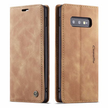 CaseMe - Samsung Galaxy S10e hoesje - Wallet Book Case - Magneetsluiting - Licht Bruin
