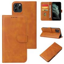 Case2go - Hoesje geschikt voor iPhone 11 Pro Max - Wallet Book Case -  Ruimte voor 3 pasjes - Licht Bruin