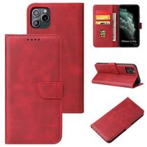 Case2go - Hoesje geschikt voor iPhone 11 Pro Max - Wallet Book Case -  Ruimte voor 3 pasjes - Rood