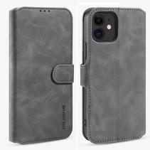 CaseMe - iPhone 12 Mini Hoesje - Magnetisch 2 in 1 Case - Ming Serie - Leren Back Cover - Grijs