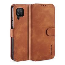 CaseMe - Samsung Galaxy A12 Hoesje - Met Magnetische Sluiting - Ming Serie - Leren Book Case - Licht Bruin