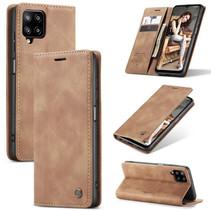 CaseMe - Samsung Galaxy A12 Hoesje - Wallet Book Case - Magneetsluiting - Licht bruin