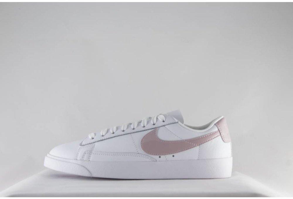 Nike W NIKE BLAZER LOW LE White/ Particle Rose/ White