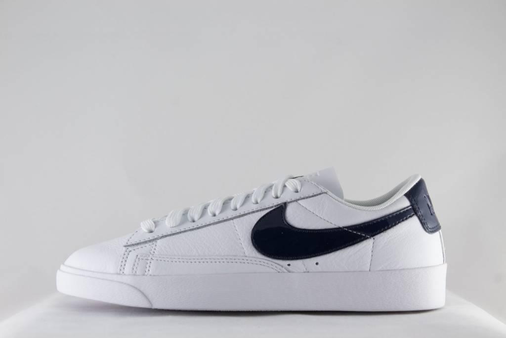 size 40 631ec 3da74 Nike W NIKE BLAZER LOW LE White  Obsidian  White ...