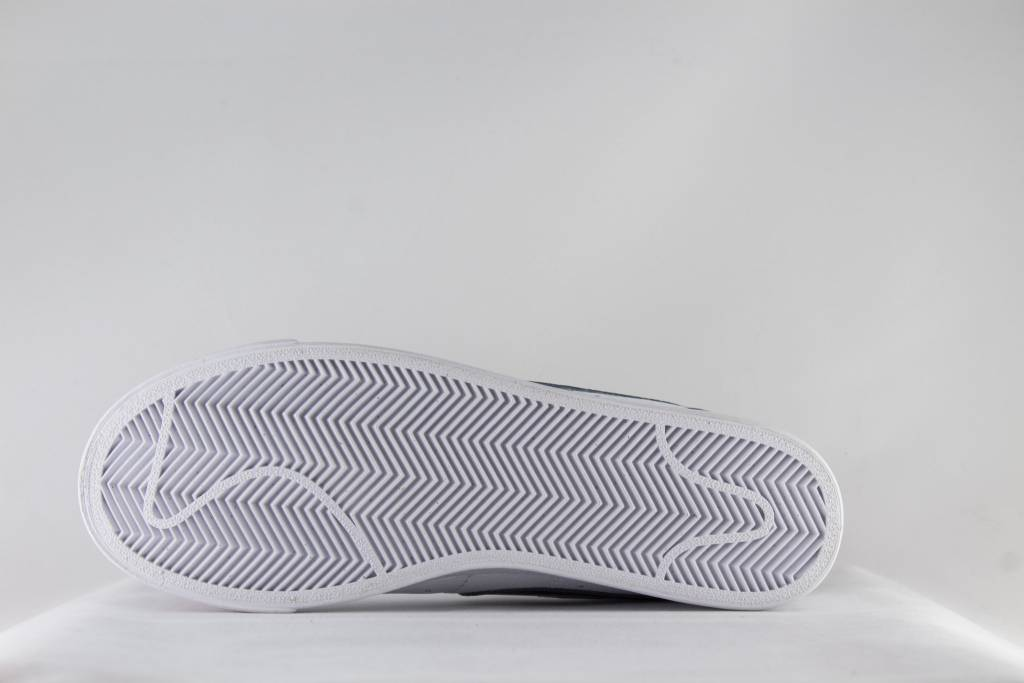 Nike W NIKE BLAZER LOW LE White/ Obsidian/ White