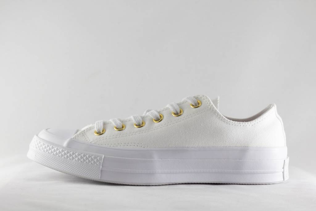 a7cd4a5bc98c CONVERSE CHUCK 70 OX White White Cherry Blossom - Shoe Class