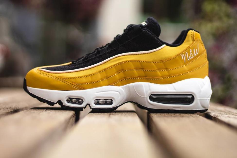 Nike W NIKE AIR MAX 95 LX Wheat Gold/ Wheat Gold- Black