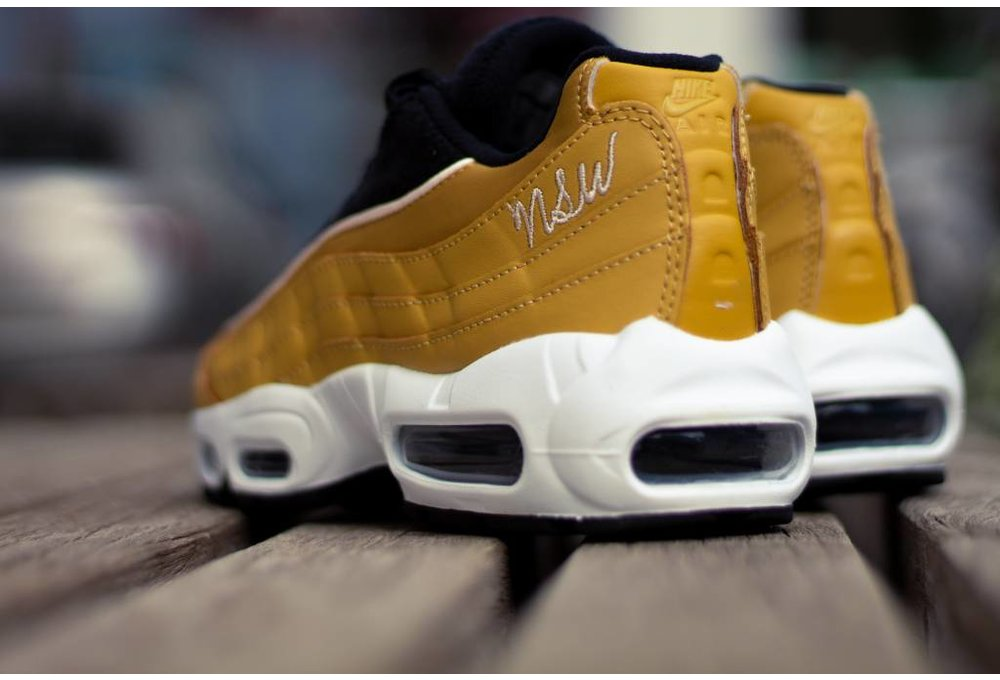 Nike W NIKE AIR MAX 95 LX Wheat Gold/ Wheat Gold- Black