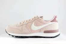 Nike W NIKE INTERNATIONALIST Particle Beige/SummitWhite