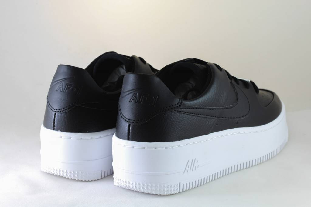 Nike AIR FORCE 1 SAGE LOW  Black/Black-White