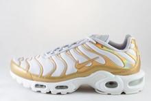 Nike NIKE WMNS AIR MAX PLUS Vast Grey/ Metallic Gold