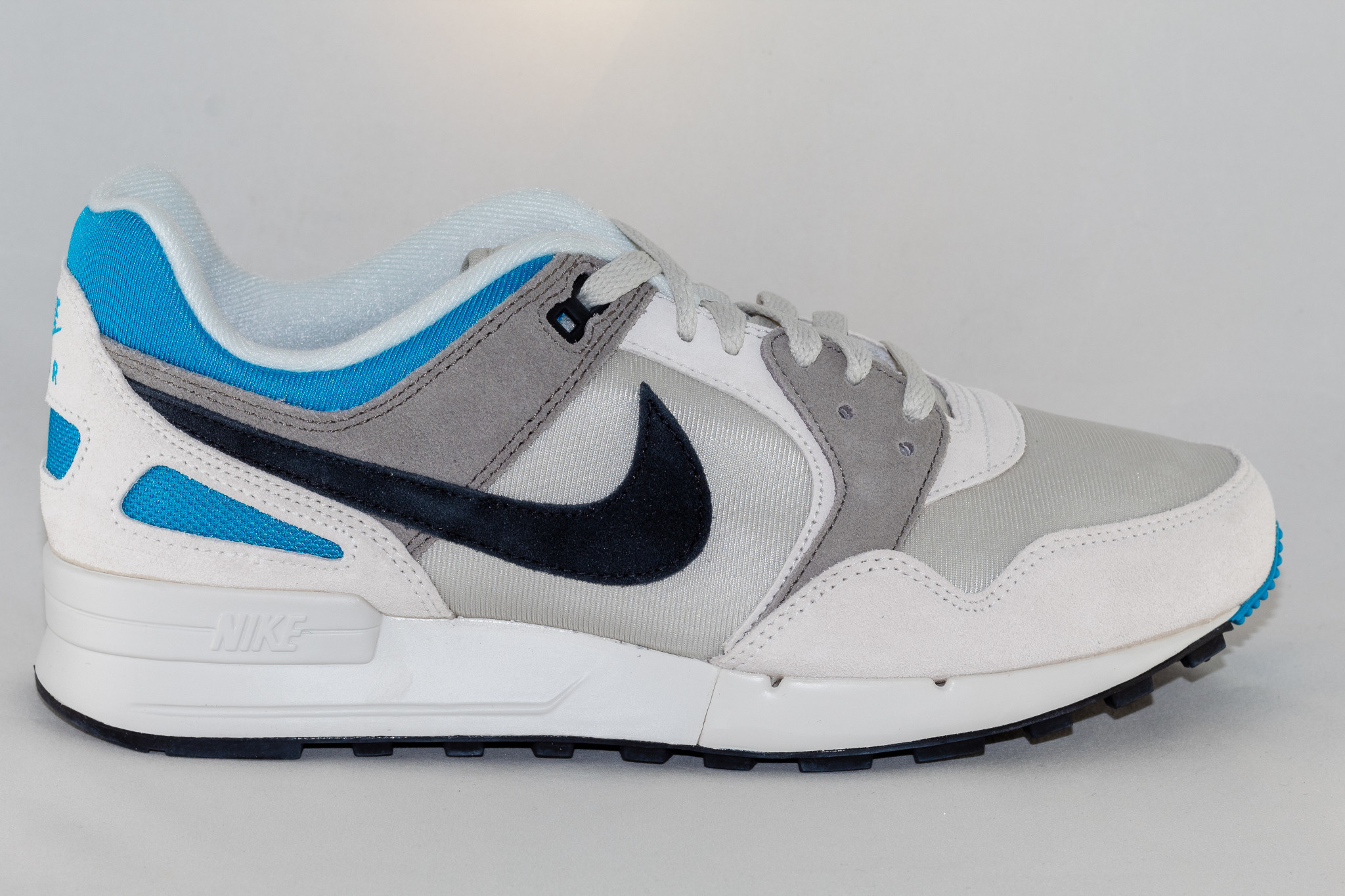Nike PEGASUS '89 SE Light Bone/ Black- Vivid Blue