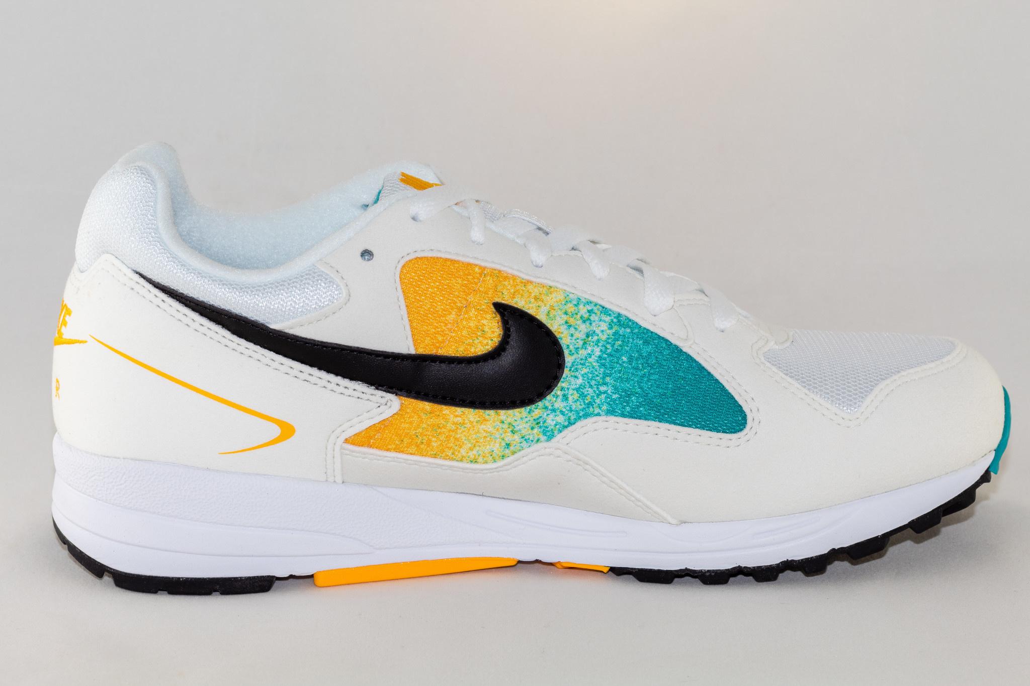 Nike AIR SKYLON II White/Black-University Gold