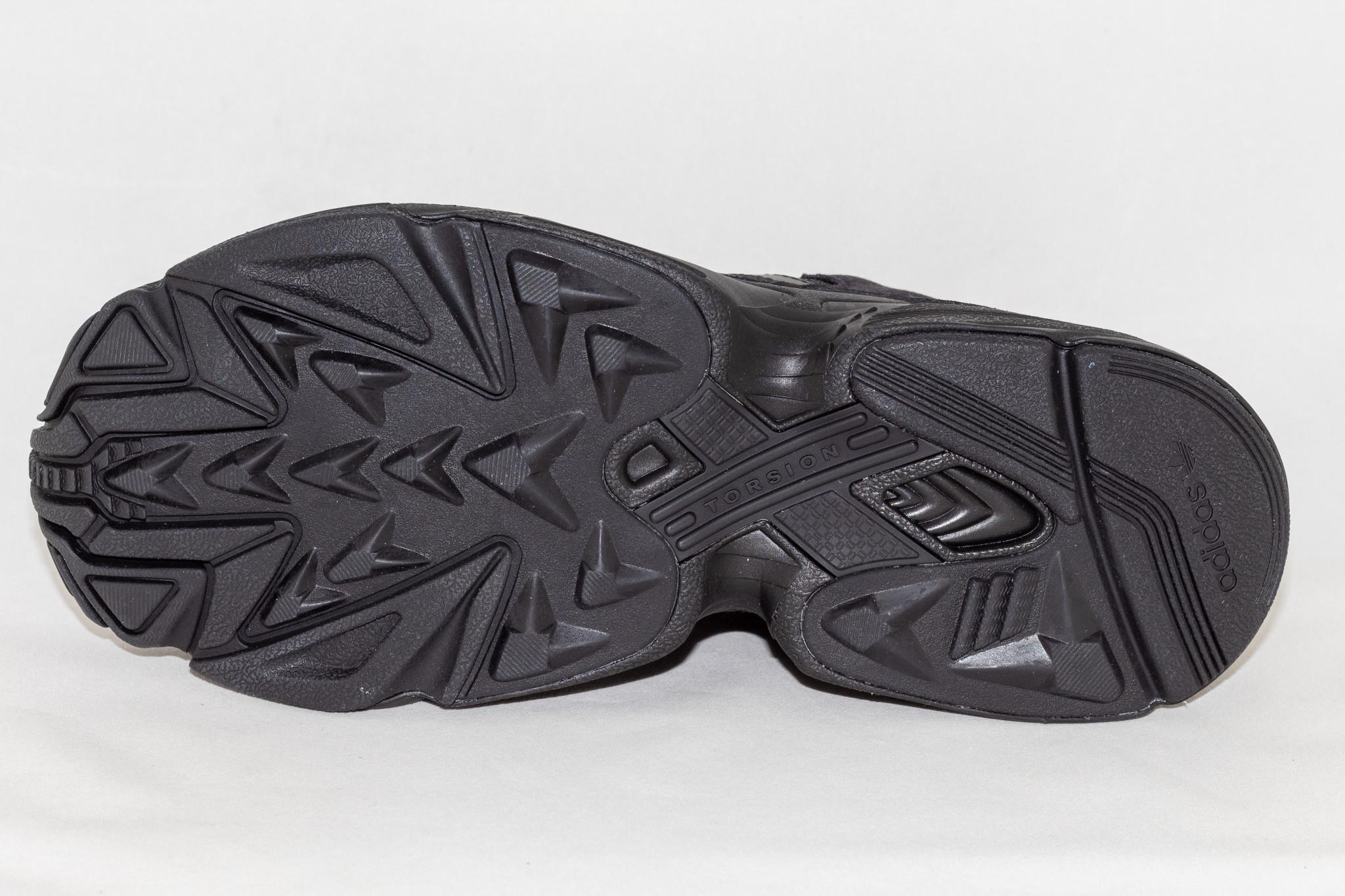Adidas YUNG-96 Cblack/ Cblack/ Carbon