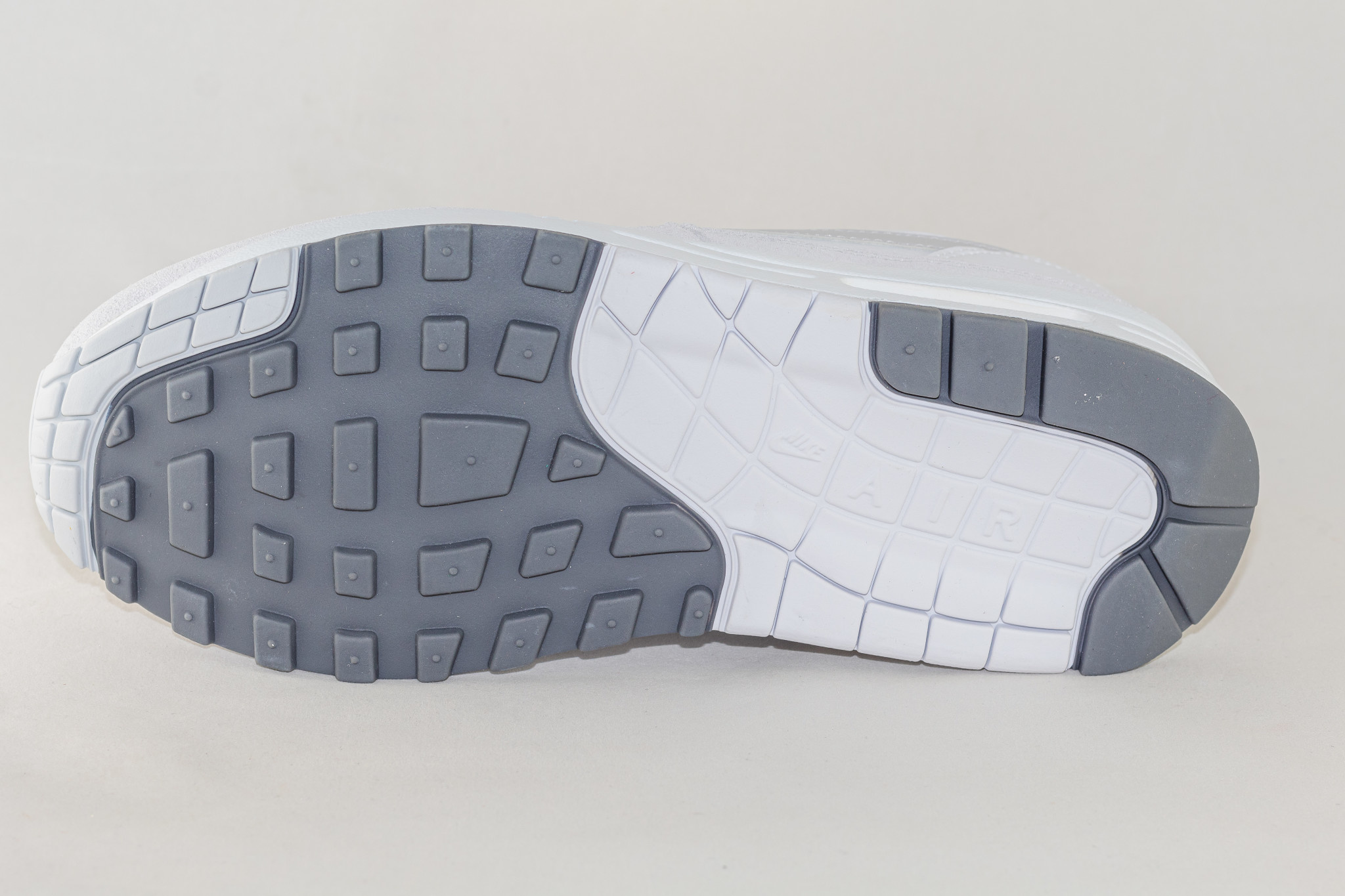 Nike AIR MAX 1 White/ Pure Platinium- Cool Grey