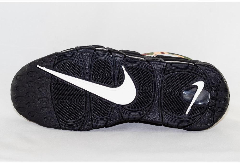 Nike NIKE AIR MORE UPTEMPO '96 QS SU 19 Black/ Sail-Lt British Tan