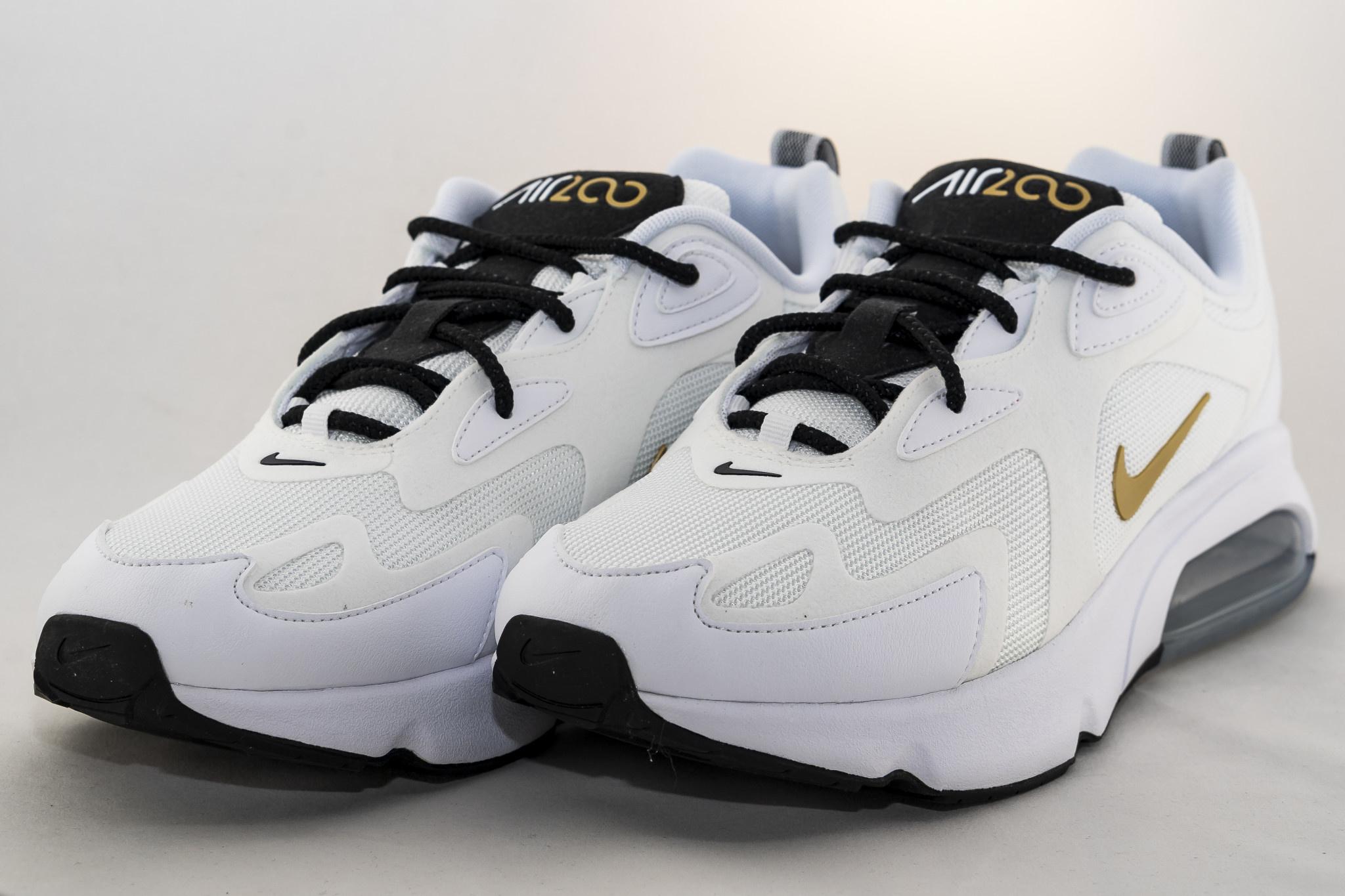 Nike AIR MAX 200 White/ Metallic Gold/ Black