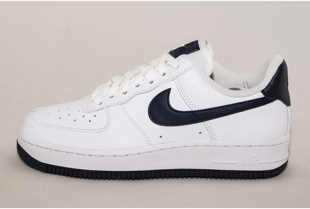 Nike NIKE AIR FORCE 1 '07 White/ Obsidian
