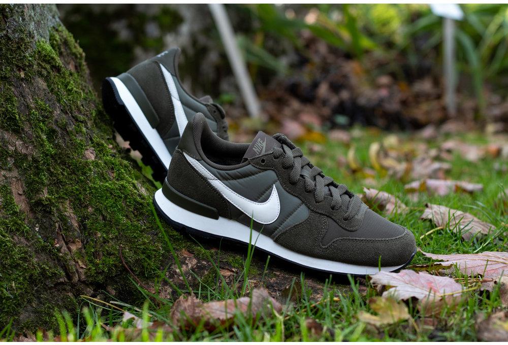 Nike W NIKE INTERNATIONALIST Cargo Khaki/ Summit White