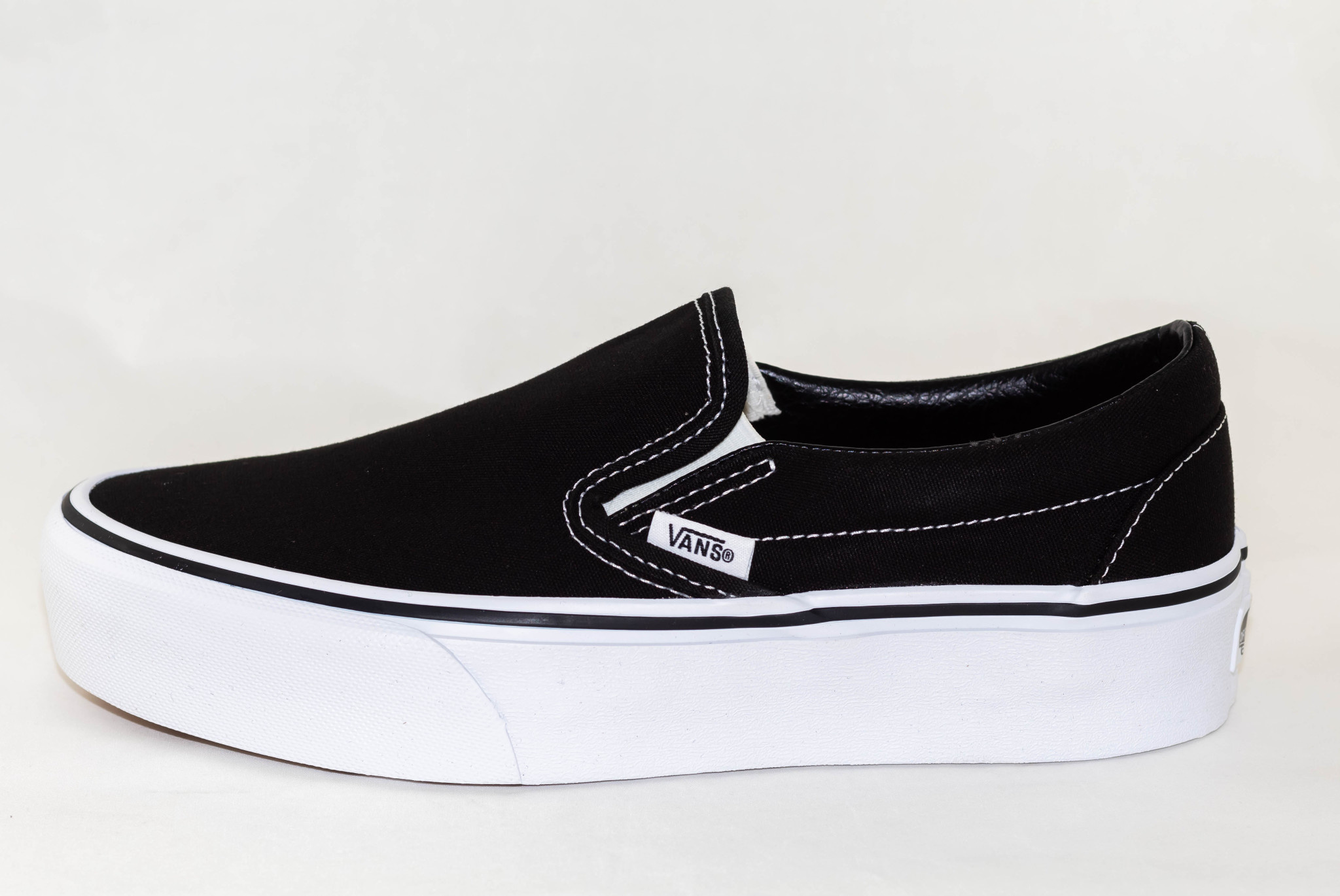 VANS SLIP-ON PLATFORM Black/White