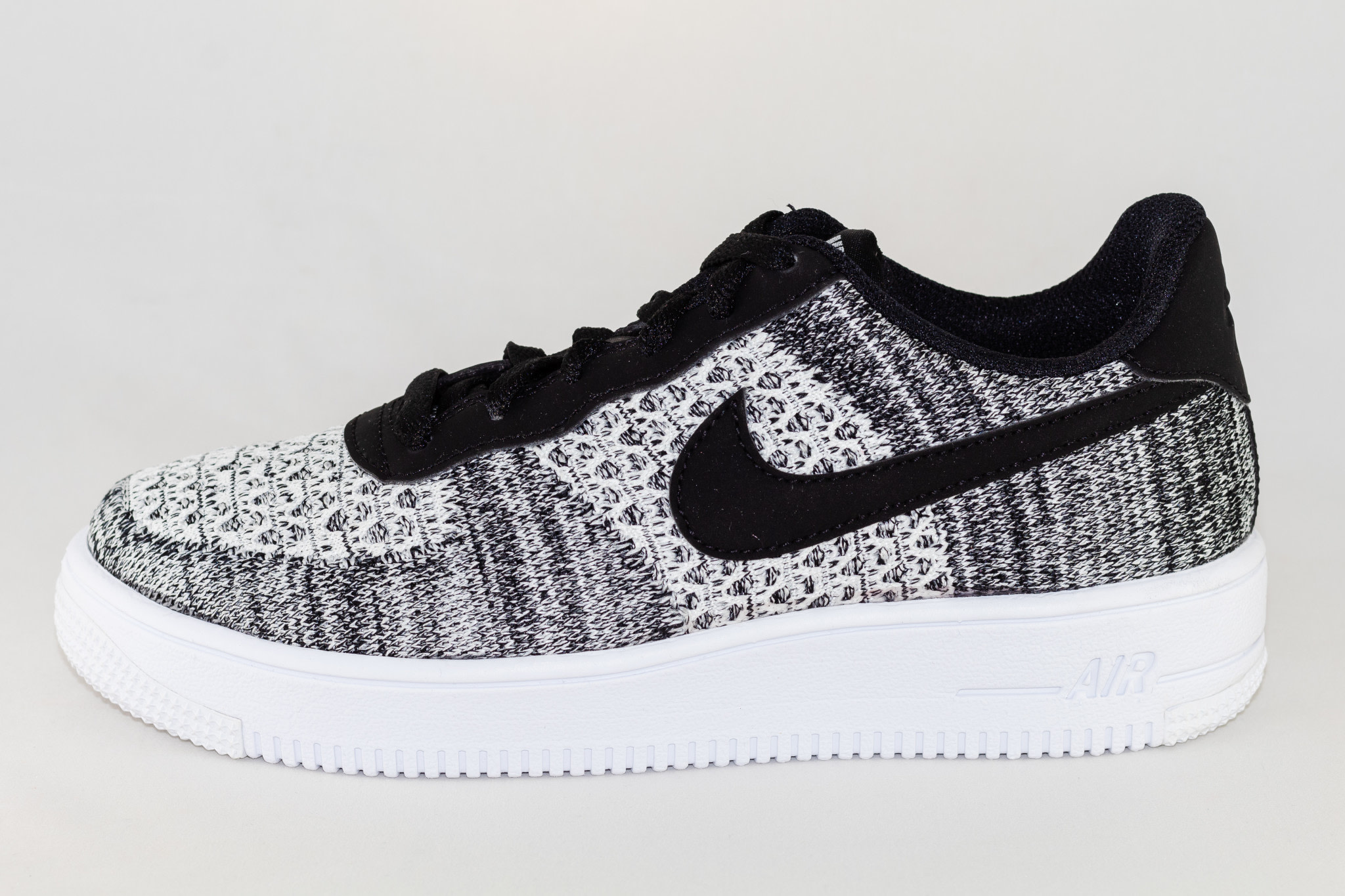 NIKE AIR FORCE 1 FLYKNIT 2.0 Black/ Pure Platinum- Black