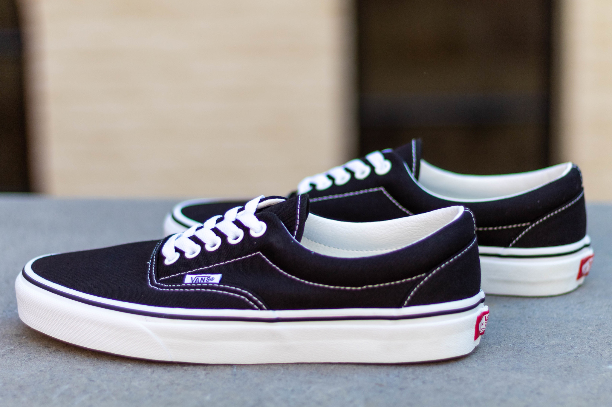 VANS ERA Black/ White