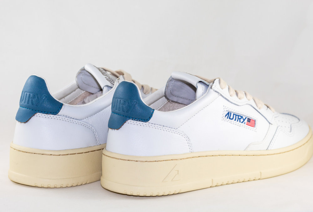 AUTRY 01 LOW MAN ALL LEAT White/ Navy