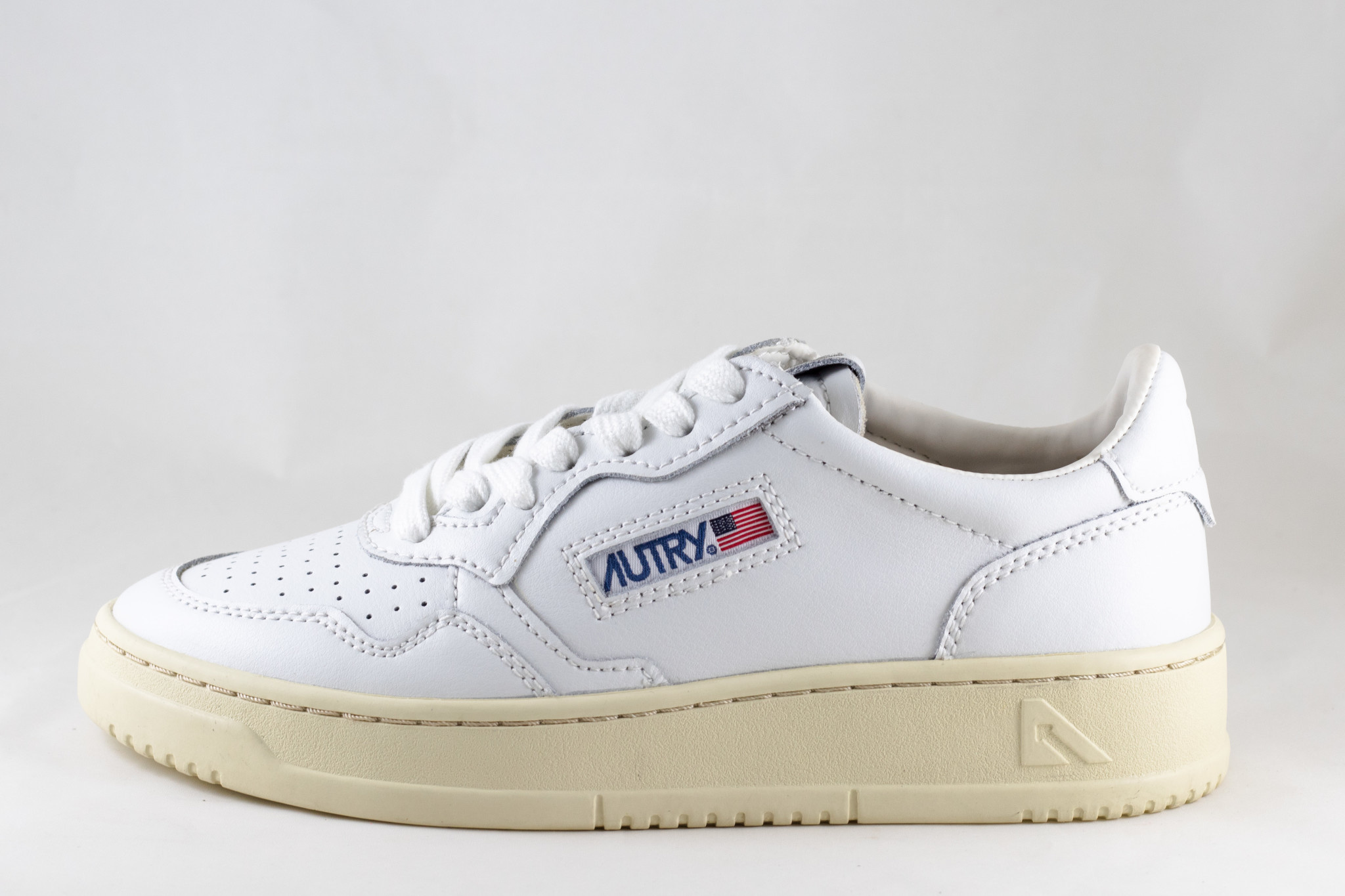 AUTRY LL15 LOW  LEATHER White/ White