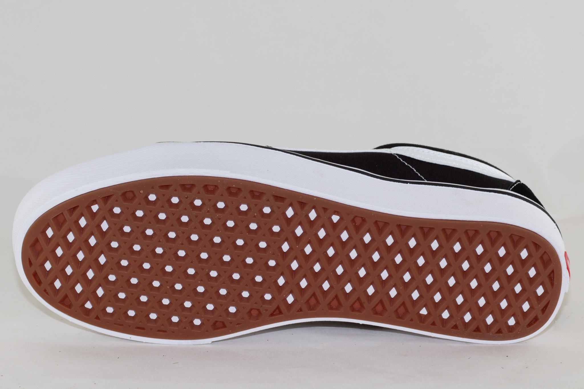 VANS COMFYCUSH SK8-LOW (CLASSIC) Black/ True White