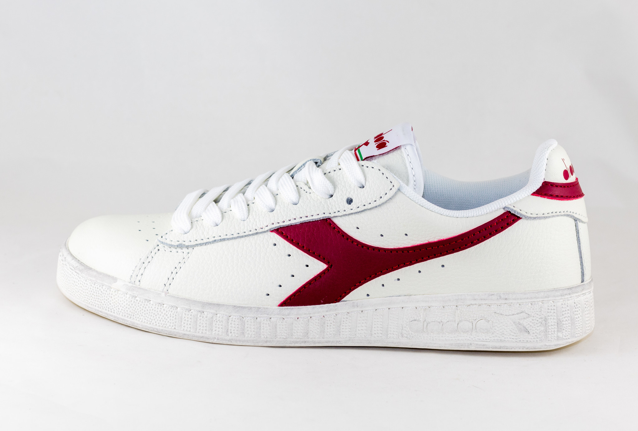 DIADORA GAME L LOW WAXED White/ Red Pepper