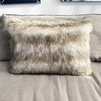 Throw Pillow 40x60  cm  -Fake fur - Wolf - Beige/ creme