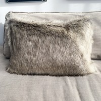 Sierkussen 40x60 cm - Imitatie bond - Winterwolf- Beige