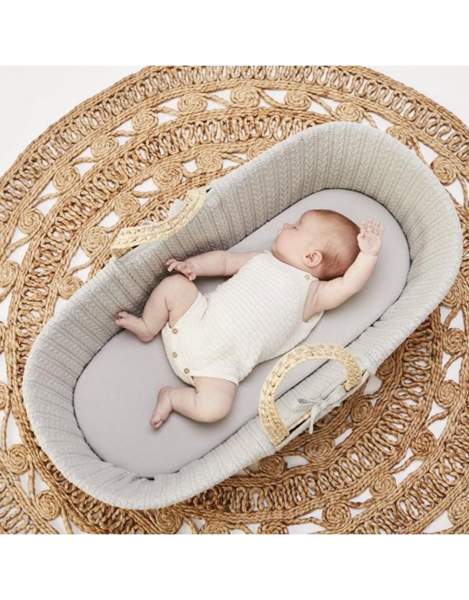 Little Green Sheep Natural Knitted Moses Basket & Mattress - Dove