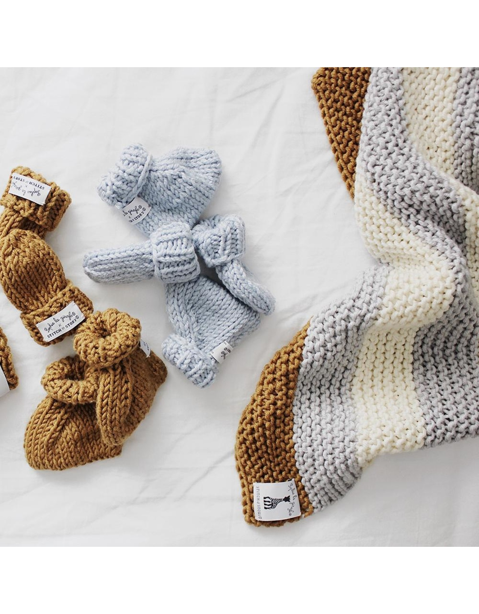 Stitch and Story Sophie La Girafe : Mini Mittens and Booties- Dove Grey