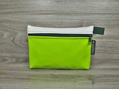 Edelzosse Makeup- Tasche Apfelgrün- Weiß