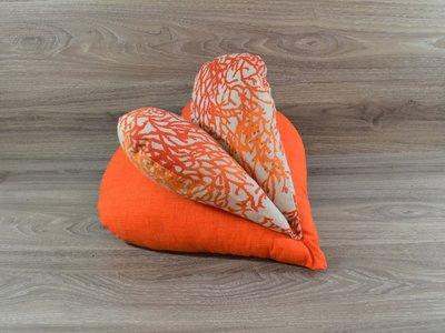 Edelzosse Lesekissen Herzkissen Koralle Orange