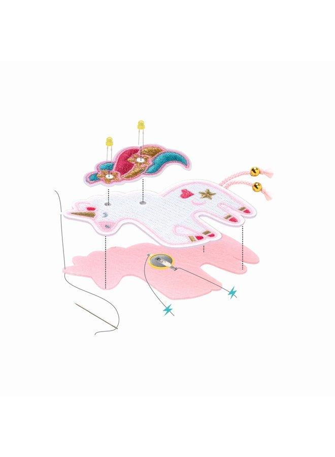 Einhorn-Brosche zum Beleuchten von Djeco