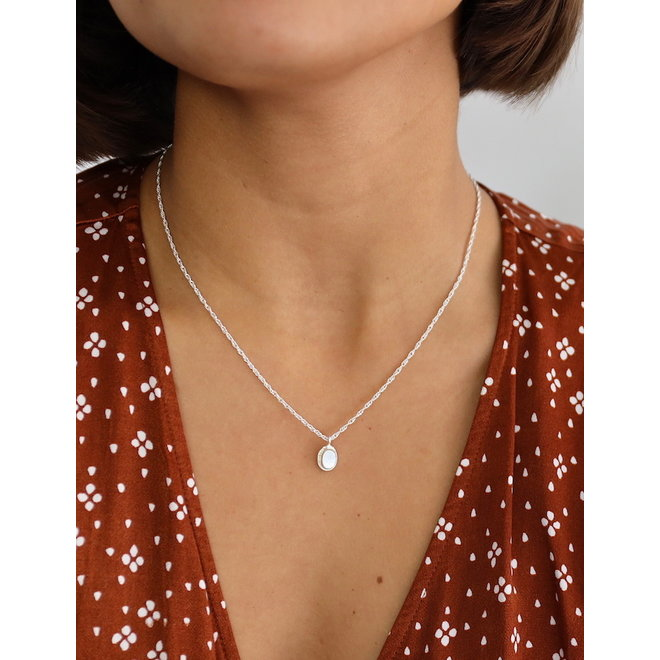 Mother of Pearl necklace silver