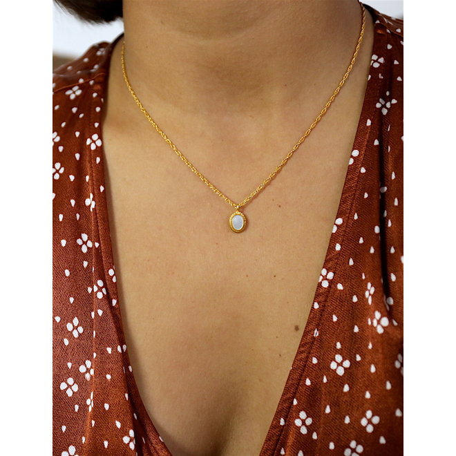 Mother of Pearl necklace gold