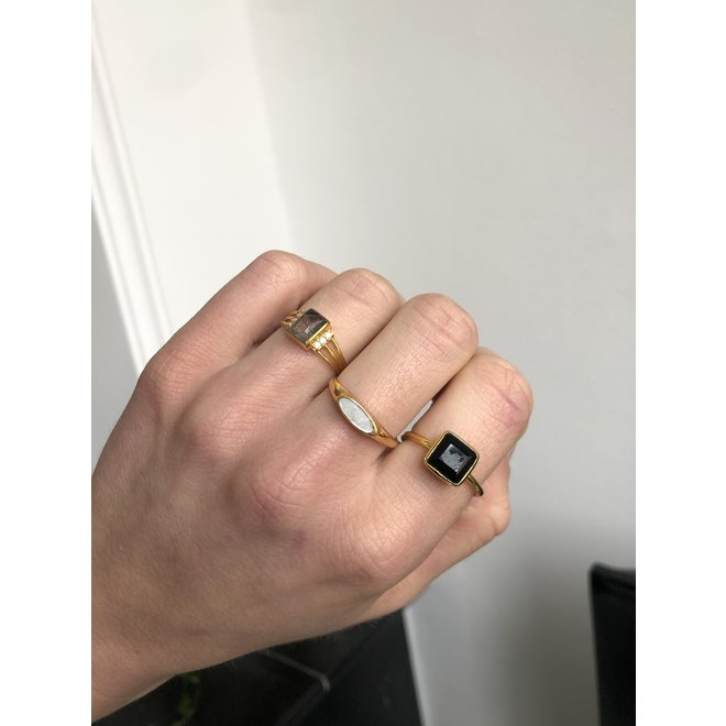 Black Onyx Square ring gold | gouden ring